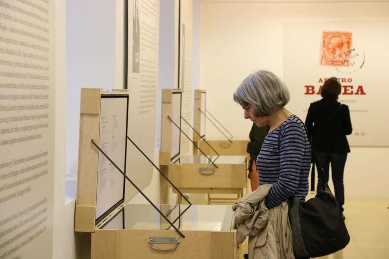 La exposición sobre Arturo Barea, una reivindicación de la memoria histórica en Badajoz
