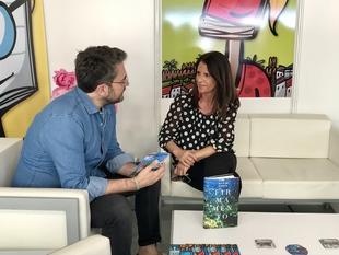 Maxim Huerta y la mesa redonda sobre literatura negra hecha por mujeres, éxitos del martes en la Feria del Libro