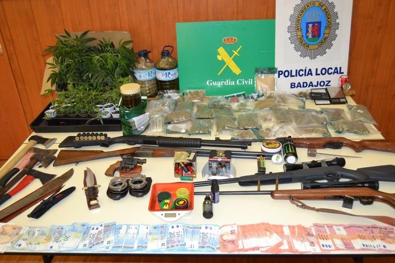 La Guardia Civil y Policía Local desmantelan cinco puntos relacionados con el cultivo, elaboración, consumo y venta de drogas
