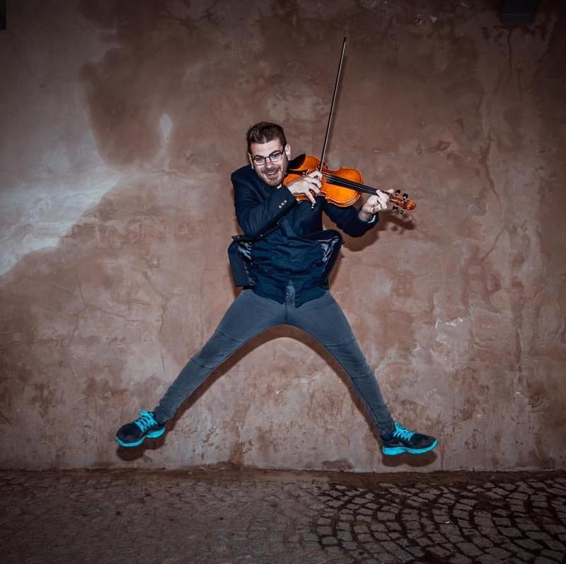 Cristian Ivars, violinista: ''El violín tiene un embrujo que te atrapa''