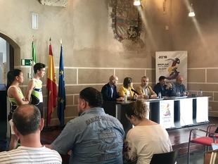 400 triatletas participan en el Campeonato de España, que recorrerá los principales puntos de interés de Badajoz