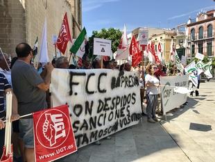 Desconvocada la huelga de limpieza de los trabajadores de FCC en Badajoz