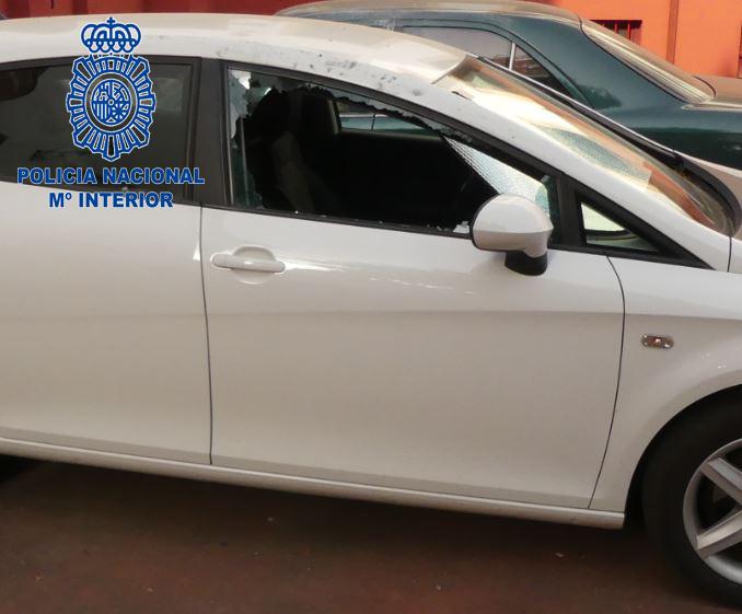 La Policía Nacional detiene  a un varón por robar en varios vehículos