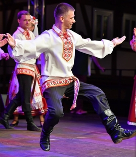 Grupos folclóricos de Azerbaiyán, Bielorrusia y Extremadura actúan este viernes en Badajoz