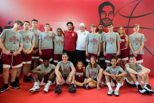 Jugadores y entrenadores de ocho nacionalidades participan este año en el XII Campus Calderón de Badajoz