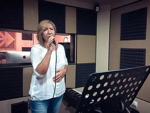 ''Quien pudiera ser'' el lanzamiento musical de la pacense Nuria Hernández