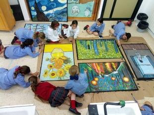 Ámbito Cultural de El Corte Inglés acoge una exposición de pinturas realizadas por alumnas del colegio Puertapalma