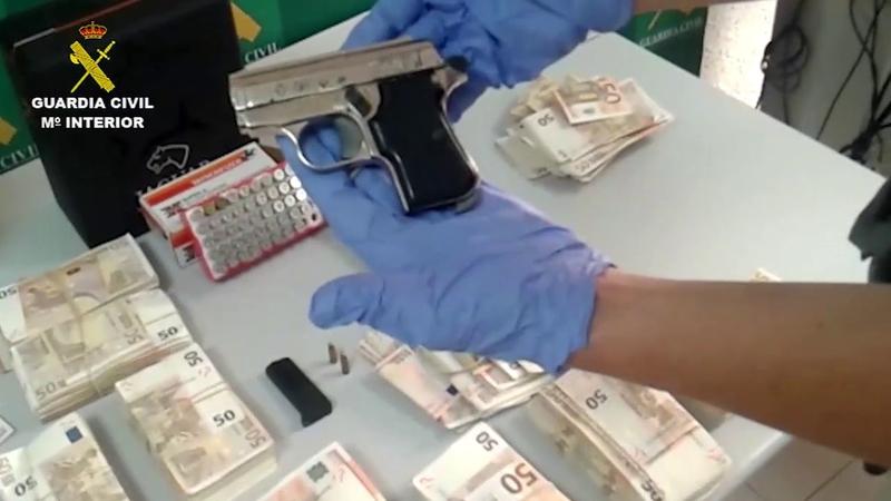 La Guardia Civil desarticula en Badajoz, un grupo criminal especializado en el robo de dinero y joyas en viviendas