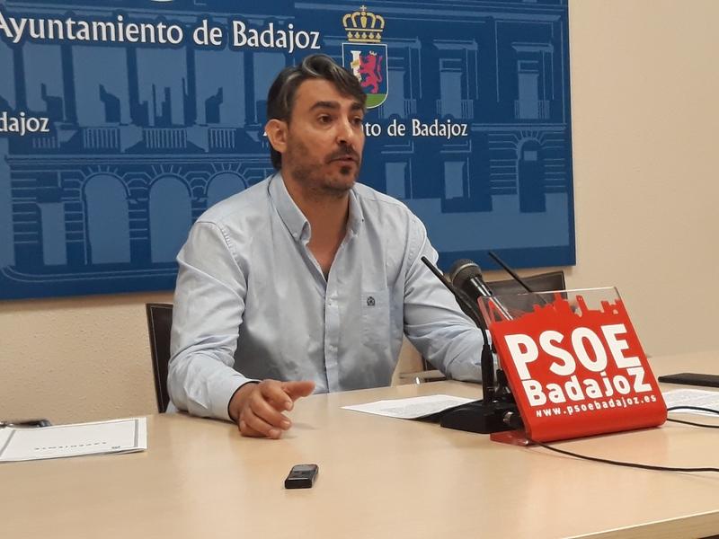El PP ''bloquea'' el desarrollo de IFEBA según Luis Tirado