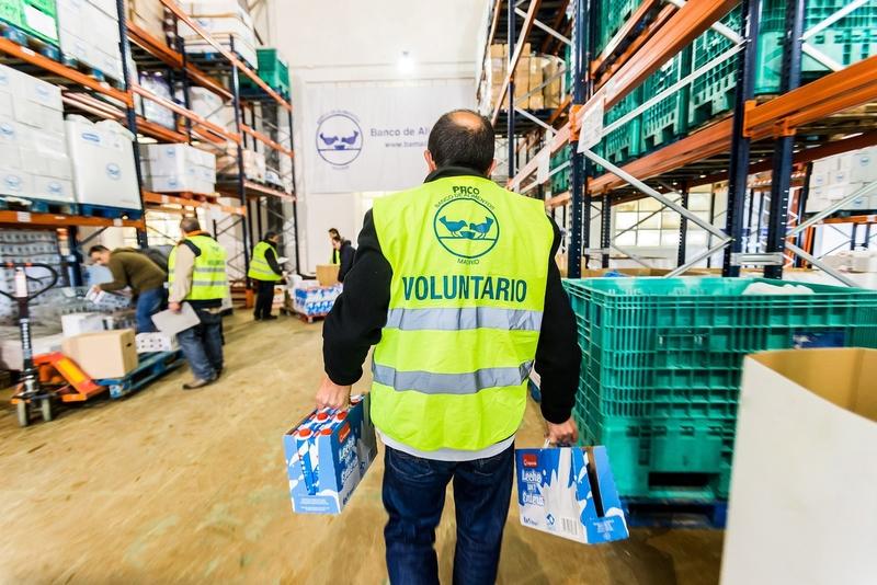 Recogen 7.300 litros de leche para familias desfavorecidas en Badajoz