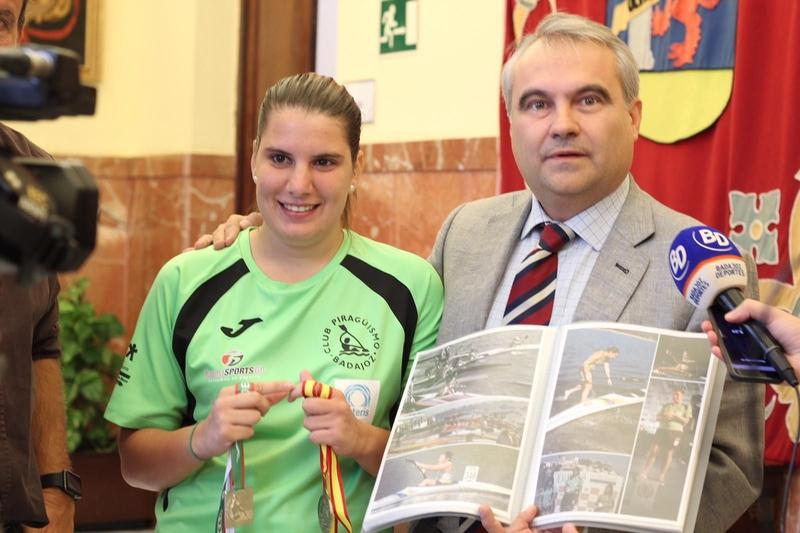Fragoso sobre Elena Ayuso: ''Representa lo más alto del palmarés de Badajoz''