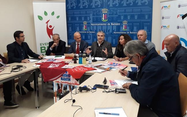 1.850 personas correrán la Media Maratòn Elvas-Badajoz este domingo
