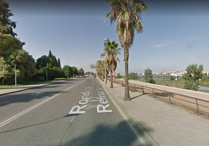 El alcalde reprocha a la Junta que no haya arreglado los baches de Circunvalación