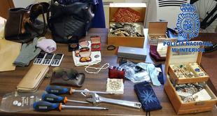 Policía Nacional detiene ''in fraganti'' a tres mujeres robando en un domicilio