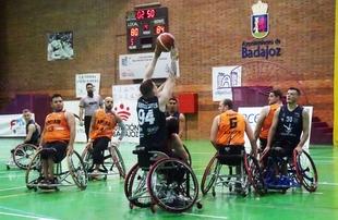El Mideba Extremadura corrige sus errores para remontar y colocarse líder