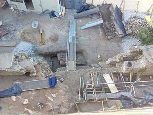 Badajoz Adelante denuncia que el ayuntamiento ''sigue destruyendo'' la barbacana de la Alcazaba