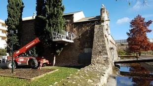 El ayuntamiento restaura Puerta Pilar