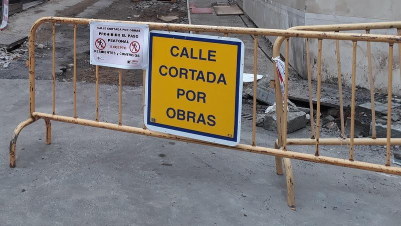 El Ayuntamiento invertirá un millón de euros en asfaltar más de 50 calles de Badajoz