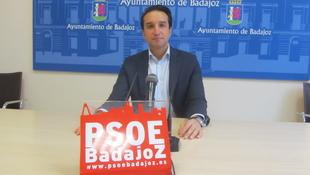 Cabezas dice que el alcalde ya solo mira por su interés electoral y no por la ciudad