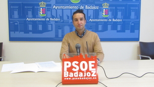 ''A Fragoso le falta por cumplir el 72% de su programa electoral'' según Cabezas