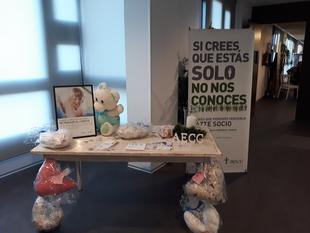 Joyas, ropa de bebé, cosmética o decoración este año en el Mercado Solidario de la AECC