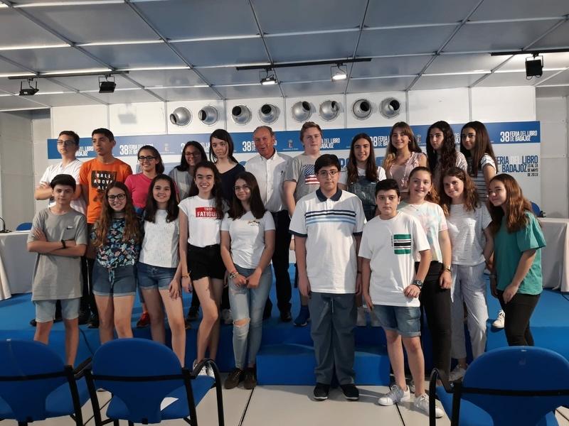 La Feria del Libro acoge una nueva edición del concurso escolar 'Está en los Libros'