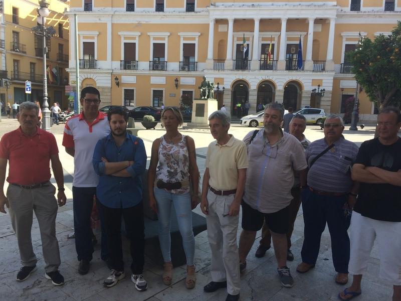 """Un total de cuarenta asociaciones y colectivos firman en Badajoz un manifiesto titulado """"Contigo, no, VOX"""""""