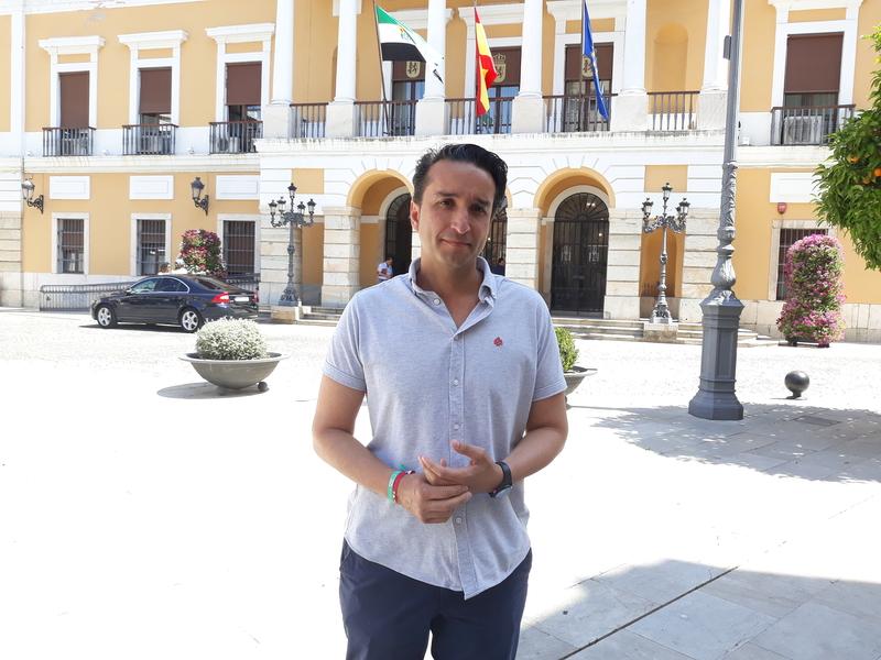 Cabezas insiste que no subirá los impuestos y que ''el cambio'' es necesario en la ciudad