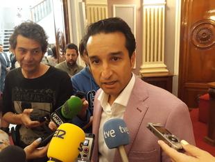 Ricardo Cabezas asegura que ''no hay nada decidido'' y cree que el acuerdo saldrá de Badajoz, no de Madrid