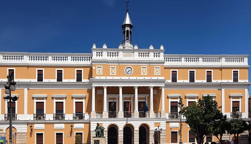 Fragoso y Gragera compartirán el mandato en el ayuntamiento de Badajoz