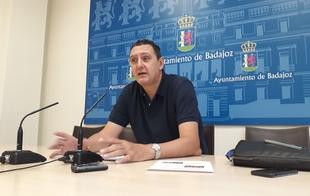 El campo de fútbol del Cerro de Reyes se renovará después de muchos años sin uso