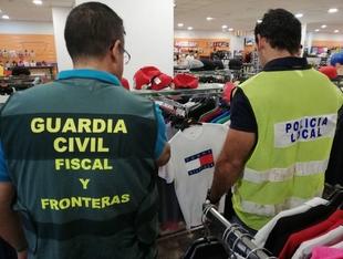 Intervenidas 549 prendas de diversas marcas presuntamente falsificadas