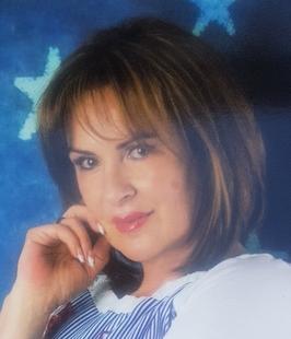 La pacense Julia Cortés, nombrada Embajadora Universal de la Paz