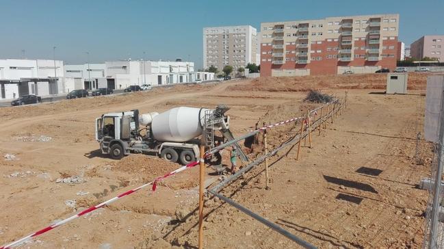 Se retoman los trabajos en la parcela  que albergará el colegio de Cerro Gordo