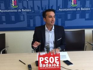 Cabezas pide analizar el incendio de El Nevero y reclama más medios para Bomberos