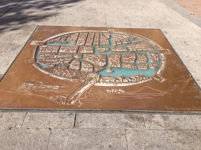 El PSOE propone situar un plano antiguo de Badajoz al inicio de la calle San Juan