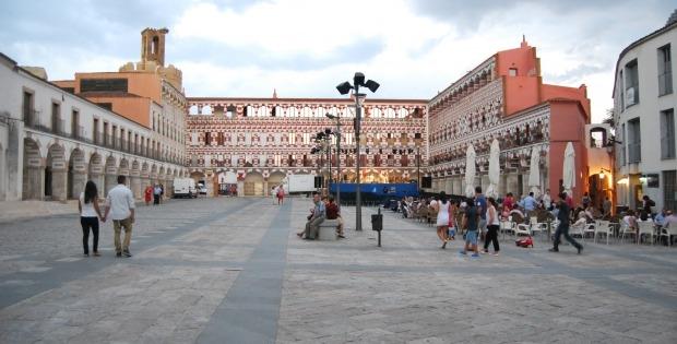 Badajoz se llena de actividades en la festividad del 12 de octubre