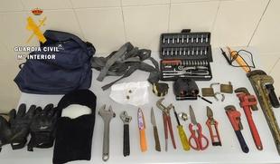 Sorprendido por la Guardia Civil cuando robaba en ''Las Bóvedas''