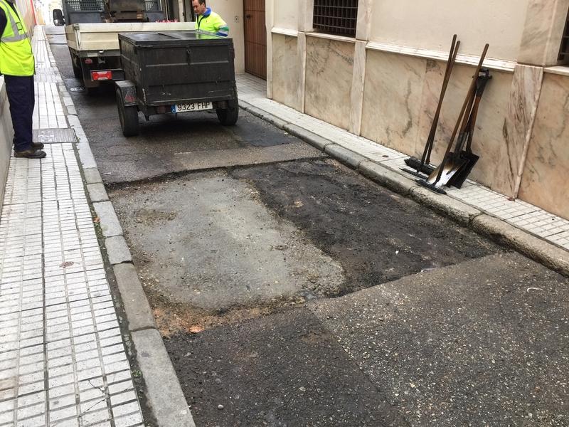 El Grupo Socialista acusa a Vías y Obras de despilfarrar por una mala planificación