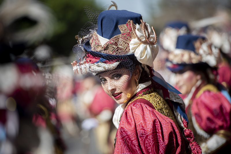 Arnelas expone en El Corte Inglés la 'Luz y color en el Carnaval de Badajoz'