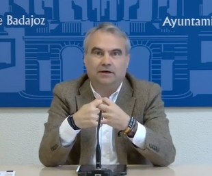 Bomberos y Policías de Badajoz tienen prohibidos los cambios turnos para evitar la propagación del Covid-19