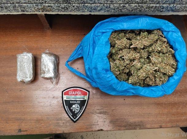 Detenidos dos jovenes por incumplir las medidas establecidas en el Real Decreto y por transportar drogar en su vehículo