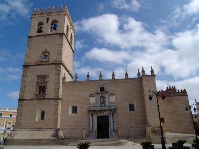 El Arzobispo presidirá las celebraciones de Semana Santa en la Catedral de Badajoz sin público y retransmitidas por YouTube