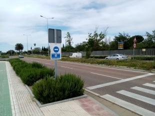 Policía Local señaliza también los itinerarios peatonales de Avd. De Elvas, Avd Regimiento Castilla y Jaime Montero de Espinosa
