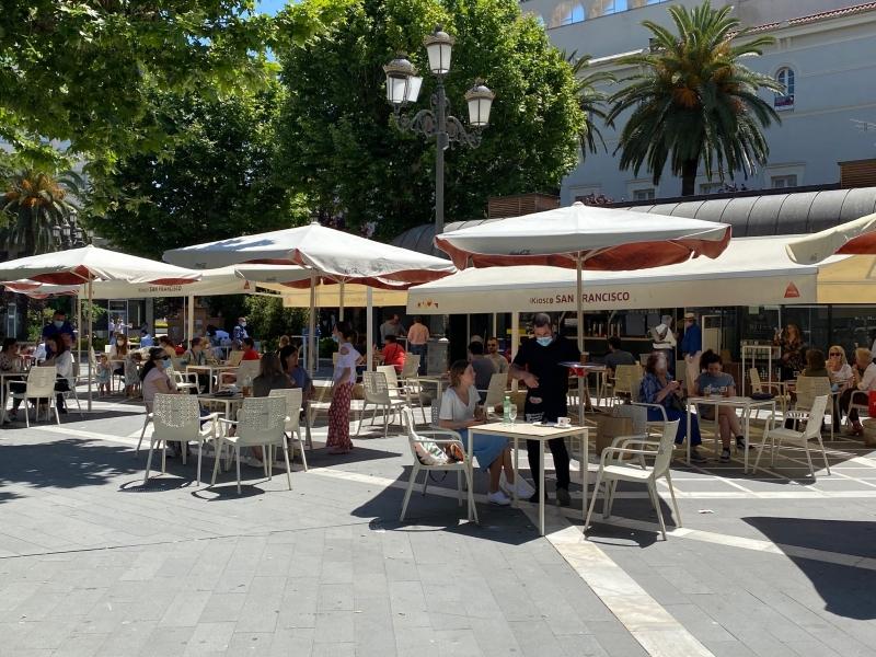 El PSOE lamenta el ''maltrato'' del Ayuntamiento a la hostelería pacense