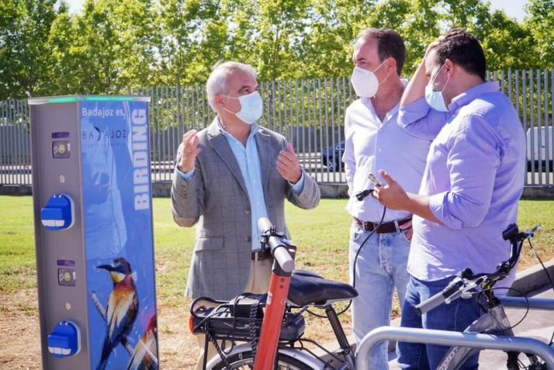 Badajoz cuenta ya con 22 puntos de recarga eléctrica de vehículos