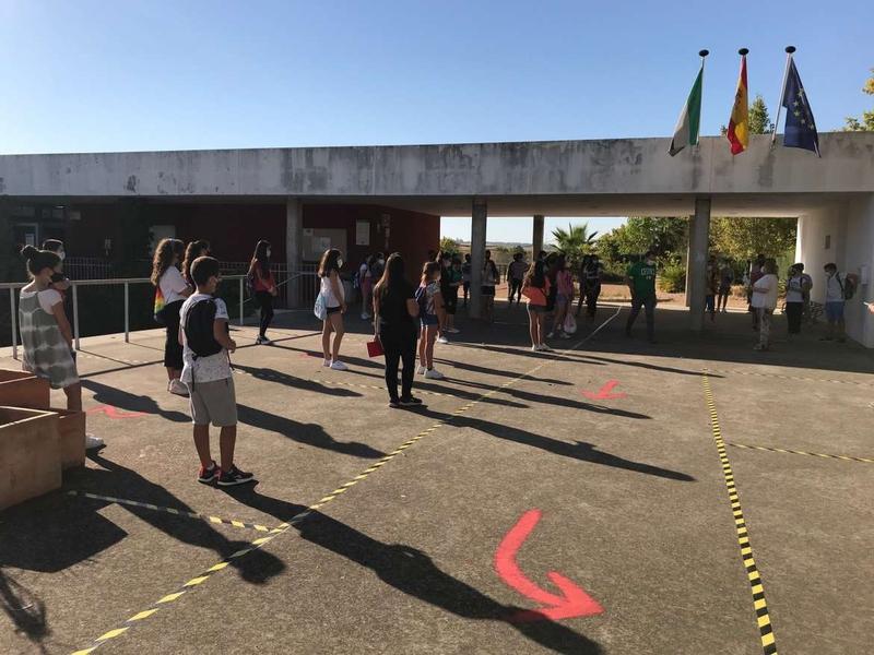 Una clase del CEIP Juan Vázquez de Badajoz pasa al modelo de formación a distancia