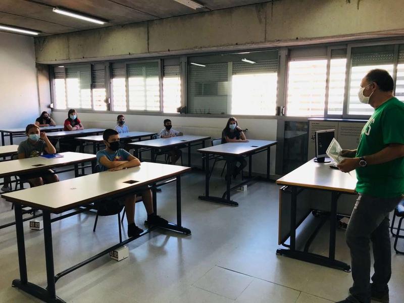 En cuarentena una clase del colegio El Tomillar