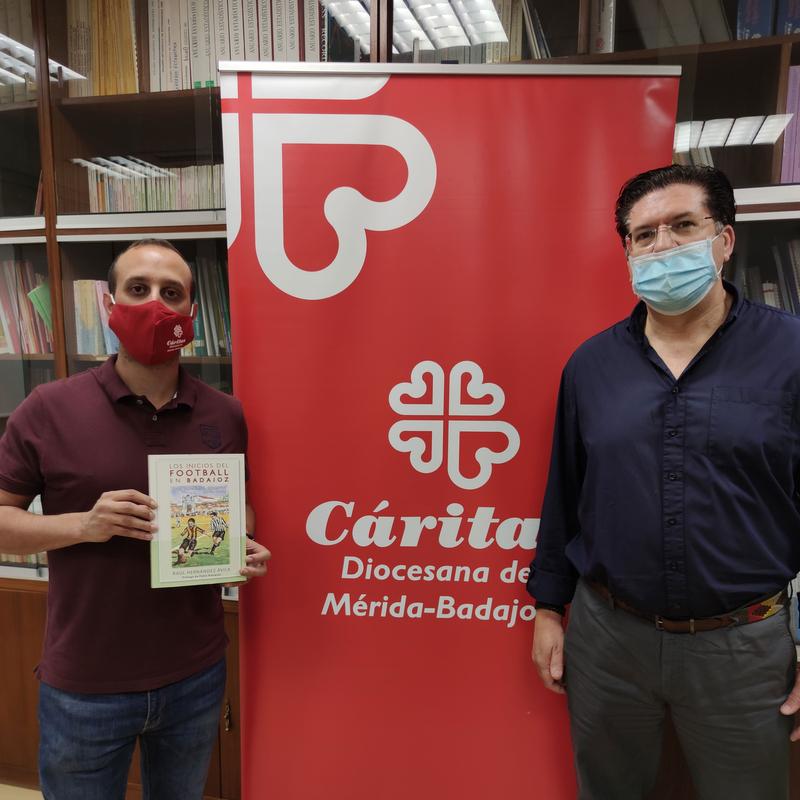 El escritor Raúl Hernández Ávila se une a Cáritas Diocesana de MéridaBadajoz en la lucha contra la crisis que está dejando el COVID