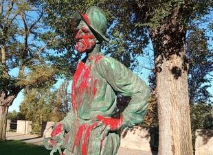Ciudadanos condena los actos vandálicos contra las estatuas de Badajoz